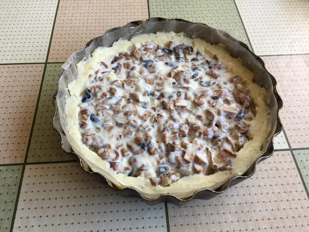 Грибной пирог на картофельной основе