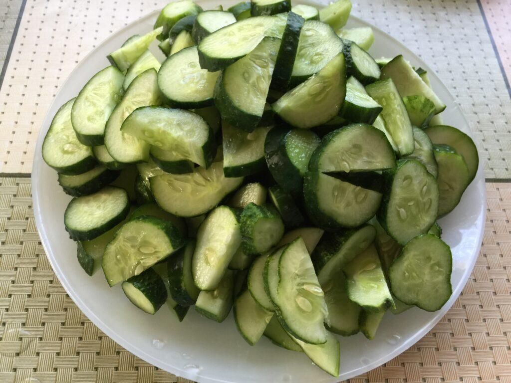 Салат на зиму из огурцов в томатном соке