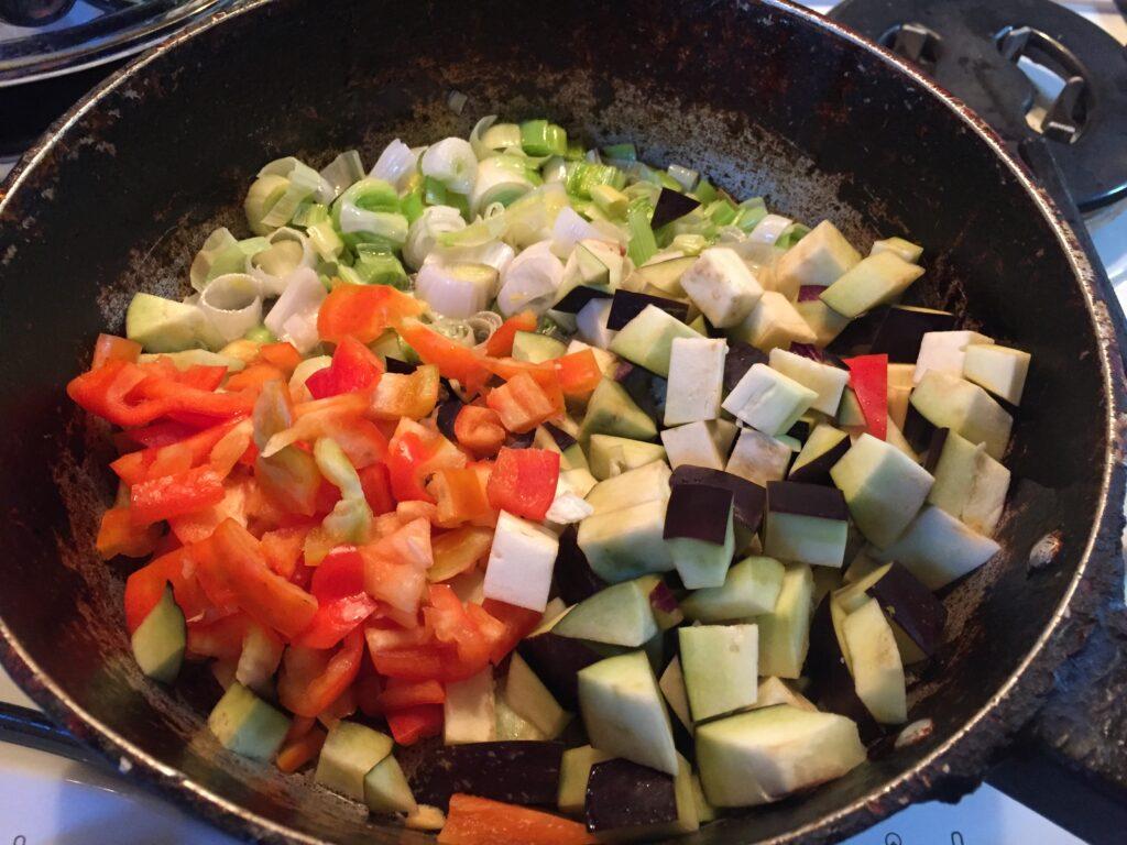 Рулеты из куриного филе с овощами